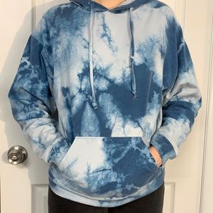 Forever 21 Blue and White Tie-Dye Hoodie